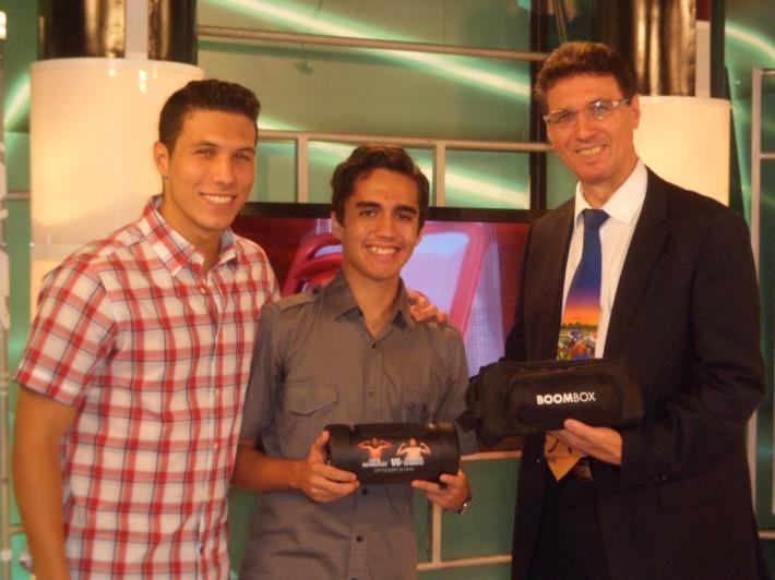 Con Alejandro Muñoz, ganador de La Encuesta Boombox de la Pelea Mayweather - Canelo